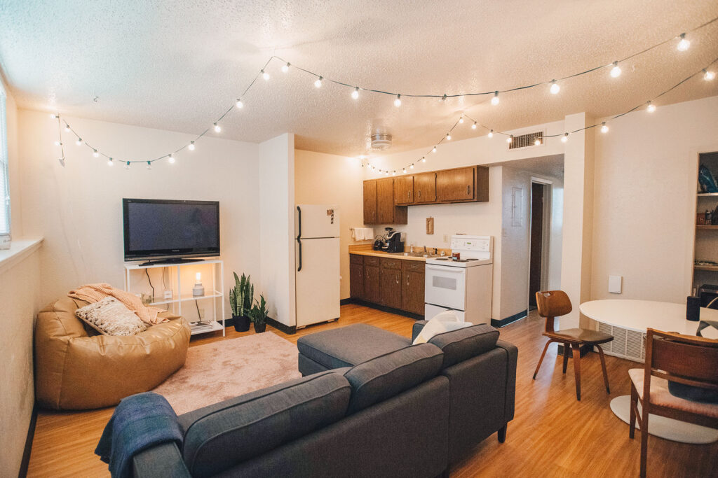 Kitchen and dining in chapman apartments