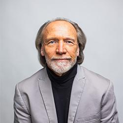 Faculty Headshot of Doug Forsberg